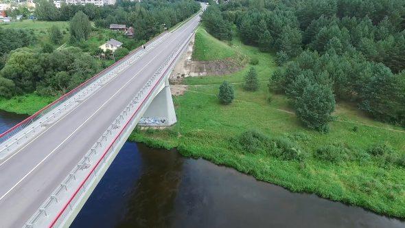 Flight Along The Bridge Through River 2